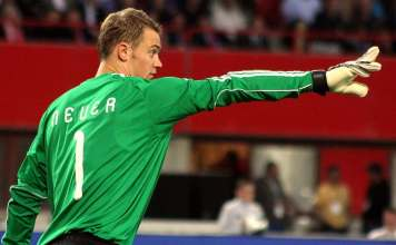 出典: |Wikipedia|https://de.wikipedia.org/wiki/Manuel_Neuer#/media/File:Manuel_Neuer,_Germany_national_football_team_%2806%29.jpg