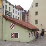 160509 Bratwurst Regensburg Wurstkuchl cut