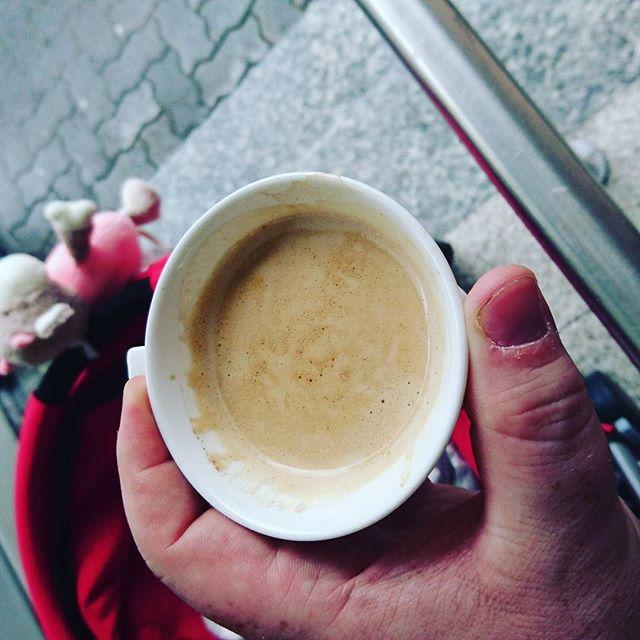 Ein #Kaffee am Morgen vertreibt Kummer und Sorgen
