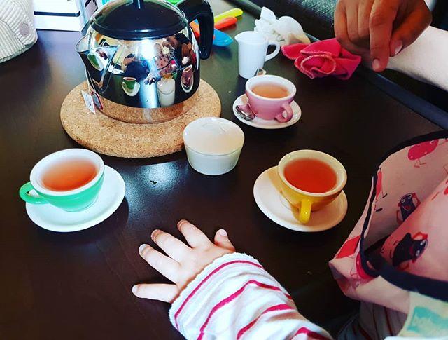 Teetime mit Tochter