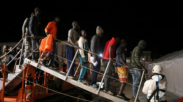 Innvandrer dytter et barn foran tog i Tyskland. Så er migrasjonsdebatten i full fyr igjen.
