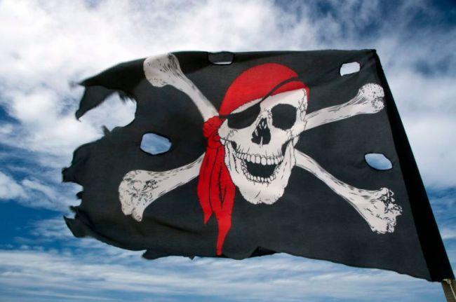 Mange trodde at pirat- og kaper-virksomhet tok slutt for århundrer siden. Der tok de feil.