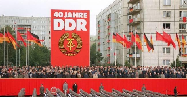 Vi feirer DDR sin oppløsning - også de som kaller seg sosialister.  Er det virkelig så enkelt?