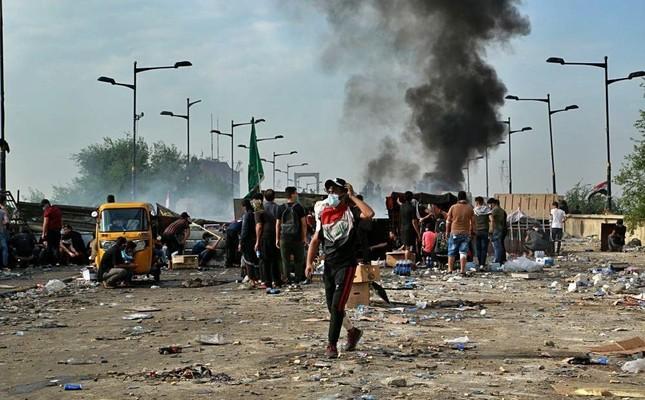 Hvis en unnlater å nevne USAs og Israels delaktighet i de store opptøyene i Irak og Libanon glemmer en noe vesentlig.