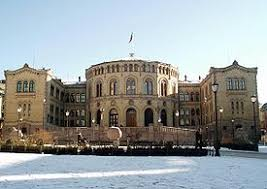 Er det EU eller Stortinget som gir norsk lov?