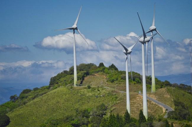 Med Sveinung Rotevatn som klima-og miljøminister er vindkraft-lobbyen sentralt plassert.