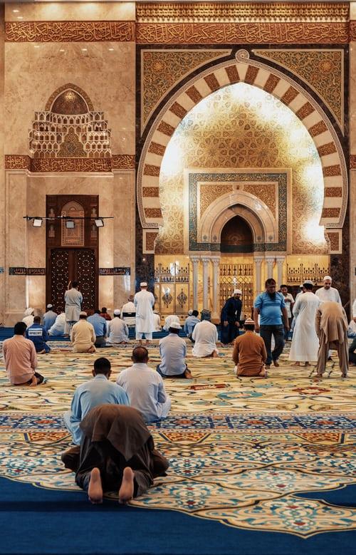 Religionen har en samfunnsmessig funksjon. Den gir ikke bare lindring, men den slavebinder også. Ramadan og ID er et av midlene.