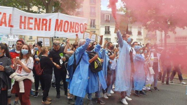 Forverringen av levekårene som følge av tiltakene mot Korona tenner klassekampen i Frankrike. Sykepleierne først ute.