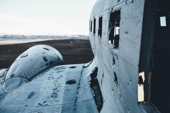 Når du skal undersøke hva som er de mest vitale delene på et fly, må du undersøke de flyene som styrter - ikke de som klarer seg.