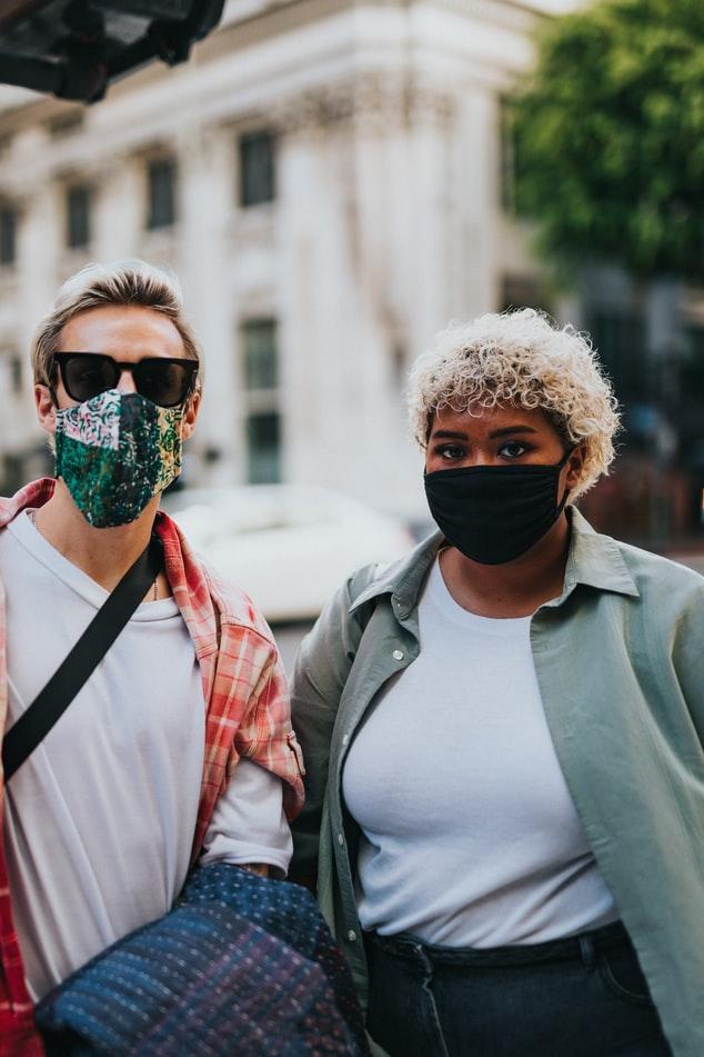 Forskning viser at masker ikke har helse-effekt. Kanskje tvert imot.