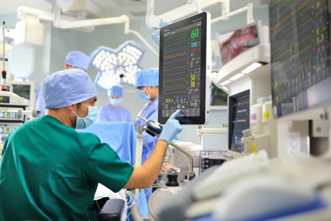 Smittevernsjefen i USA innrømmer at Korona-tallene for døde kan være kunstig høye på grunn av økonomisk tilskudd for diagnosen.