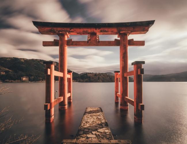 Japan har ikke gjennomført Lockdown og har heller ikke mange døde til tross for en gammel befolkning.
