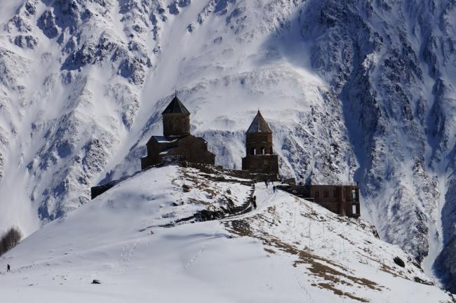Russland bekrefter at de står ved sine militære forpliktelser overfor Armenia.