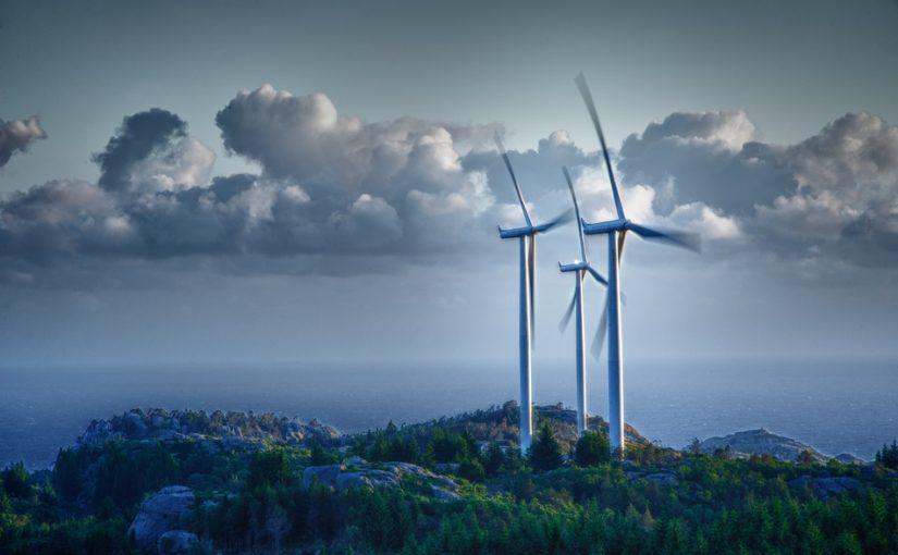 Motstanden mot vindkraft i Agder vokser. Nå engasjeres First House for å gjøre noe med det.