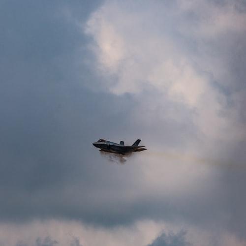 Britene forberede store kutt i F-35-flystyrken. Hva gjør Norge?