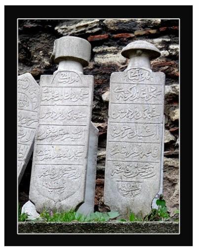 mezar-taslari_3.jpg İstanbul mezar taşlarıİstanbul mezar taşları