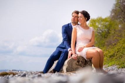 Brautpaar am Naturstrand
