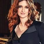 avatar for Anjelika Akbar