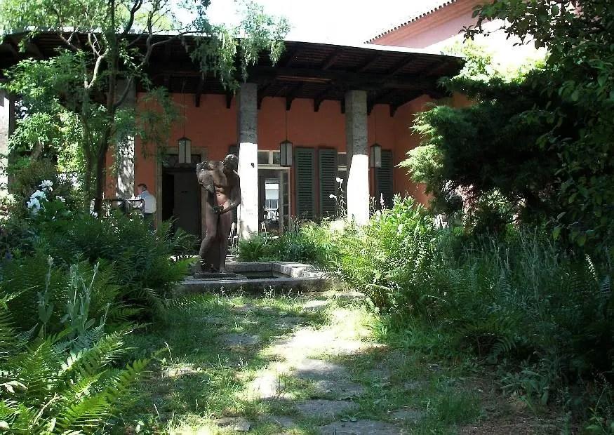 Mediterranes Ferien oder Gartenhaus bauen