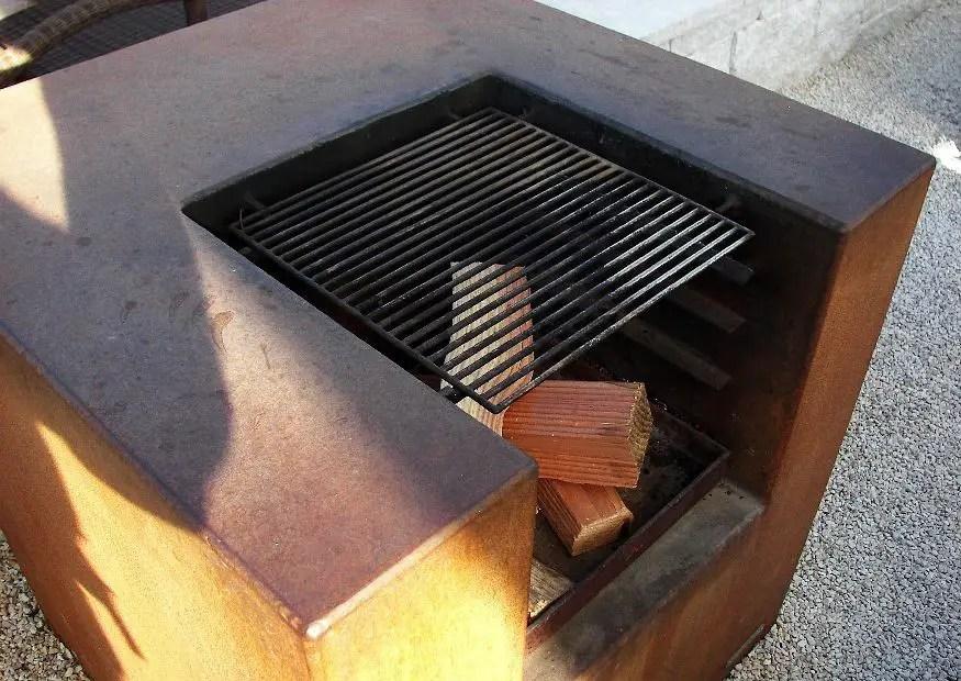 Grillkamin und Brandschutz  Was ist zu beachten