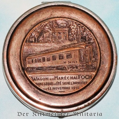 PILL/SNUFF BOX  - DEPICTING FRENCH RAILWAY CAR USED FOR GERMANY'S WW I SURRENDER - Imperial German Military Antiques Sale
