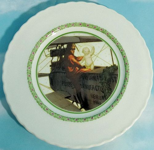 CHRISTMAS 1919 PLATE FROM KPM - Imperial German Military Antiques Sale