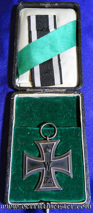 IRON CROSS - 1914 - 2nd CLASS IN THE ORIGINAL PRESENTATION CASE - Imperial German Military Antiques Sale