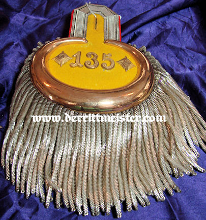 PRUSSIA - EPAULETTES - OBERST/COMMANDING OFFICER - INFANTERIE-REGIMENT Nr 135 - ORIGINAL STORAGE BOX - Imperial German Military Antiques Sale