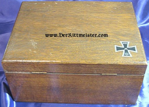 PATRIOTIC  BOX - HIGH QUALITY WOODEN FEATURING THE 1914 IRON CROSS - Imperial German Military Antiques Sale