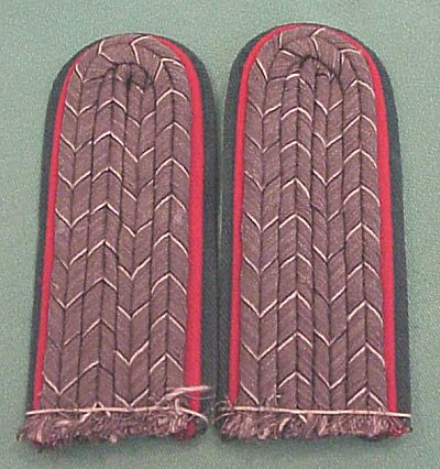 PRUSSIA - SHOULDER BOARDS - LEUTNANT - JÄGER ZU PFERDE REGIMENT - Imperial German Military Antiques Sale