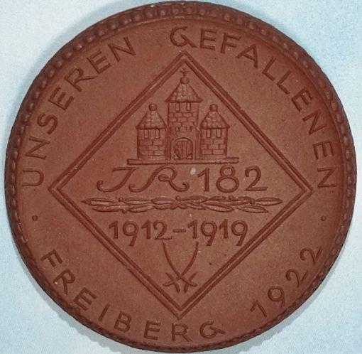 TABLE MEDAL - SAXONY - PORCELAIN COMMEMORATING INFANTERIE-REGIMENT Nr 182's SERVICE - Imperial German Military Antiques Sale