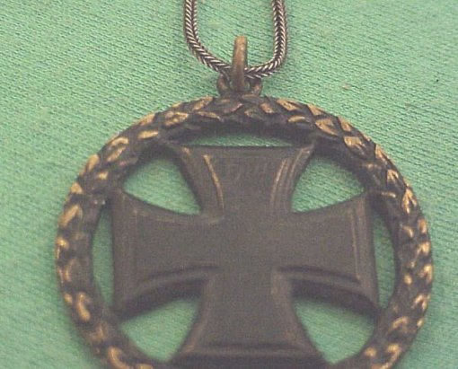 PATRIOTIC NECKLACE - CASED - Imperial German Military Antiques Sale
