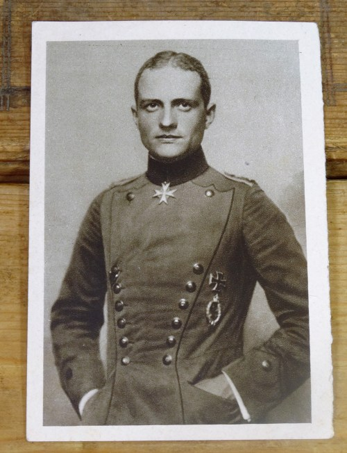 RITTMEISTER MANFRED FREIHERR von RICHTHOFEN PHOTO POSTCARD FROM  UNSERE LUFTFLOTTE im WELTKRIEG - Imperial German Military Antiques Sale