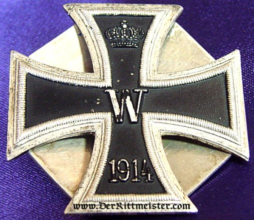 IRON CROSS - 1914 - 1st CLASS - THREE-PIECE SCREWBACK WITH AN IRON-CROSS-SHAPED BACKING PLATE - Imperial German Military Antiques Sale