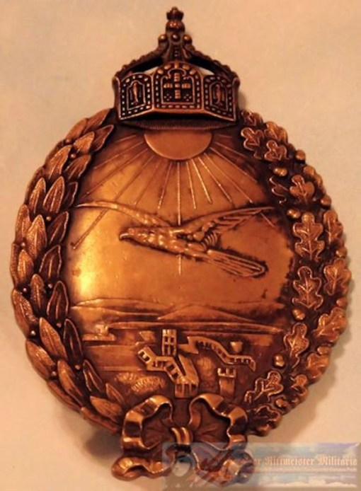 ENGRAVED NAVY LAND PLANE PILOT BADGE - Imperial German Military Antiques Sale