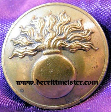 FRANCE - TUNIC BUTTON - ARTILLERIE - Imperial German Military Antiques Sale
