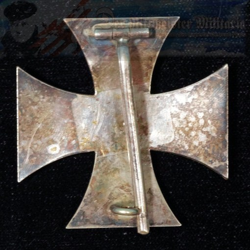 IRON CROSS - 1914 - 1ST CLASS - SLIGHTLY VAULTED - Imperial German Military Antiques Sale