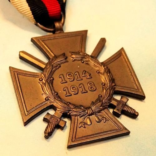 HINDENBURG CROSS WITH SWORDS - COMBATANT'S - Imperial German Military Antiques Sale