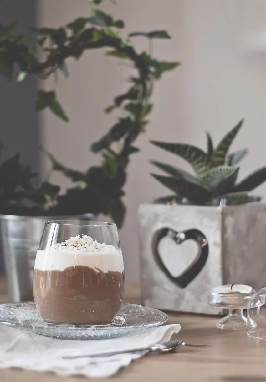 Mousse fondente al caffè con spuma di mascarpone al cioccolato bianco