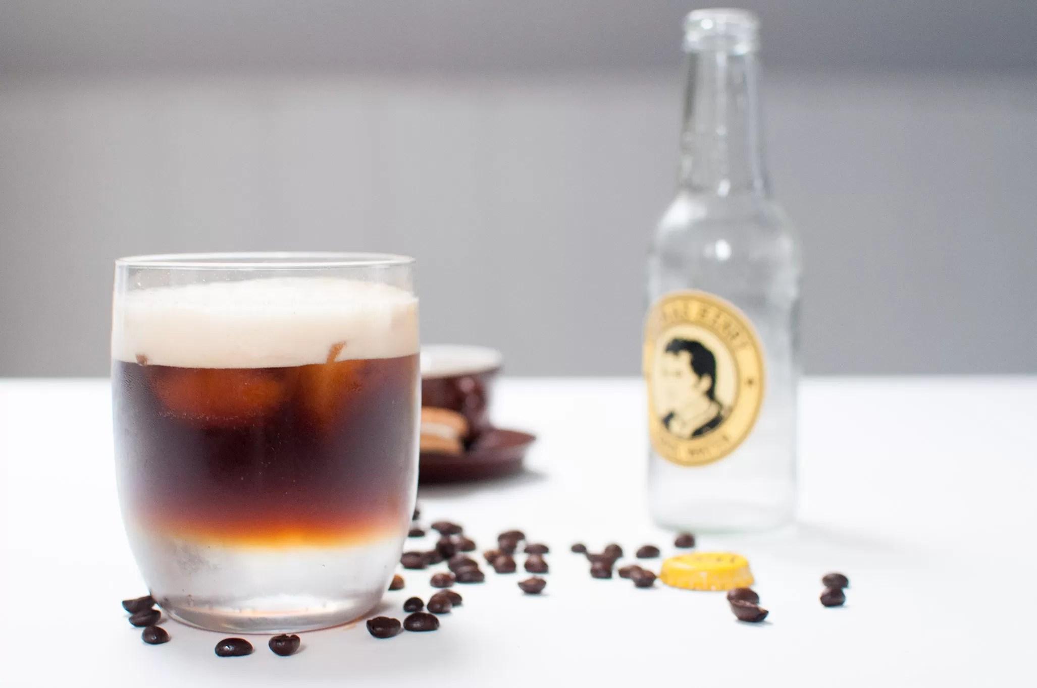 espresso tonic - cocktail analcolico a base di caffè e acqua tonica - ricetta