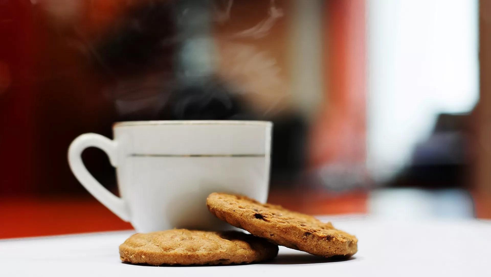 Come servire caffè e biscotti