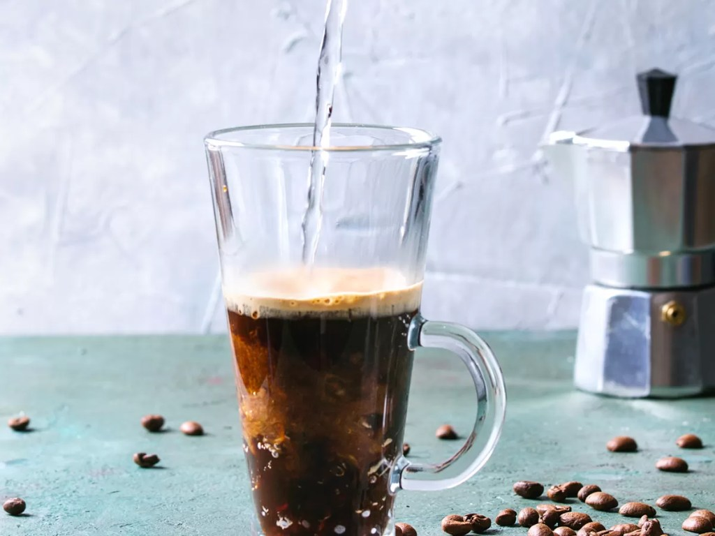 Caffè in estate: sparkling coffee