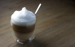 Il caffè brasiliano: energia e gusto con una punta alcolica