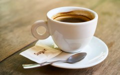 Caffè zuccherato o amaro?