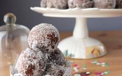 Castagnole al cacao, nocciole e caffè - il dolce che renderà ancor più goloso il tuo Carnevale!