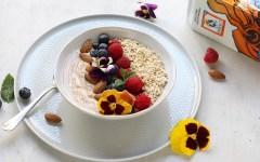 bowl di yogurt e frutta
