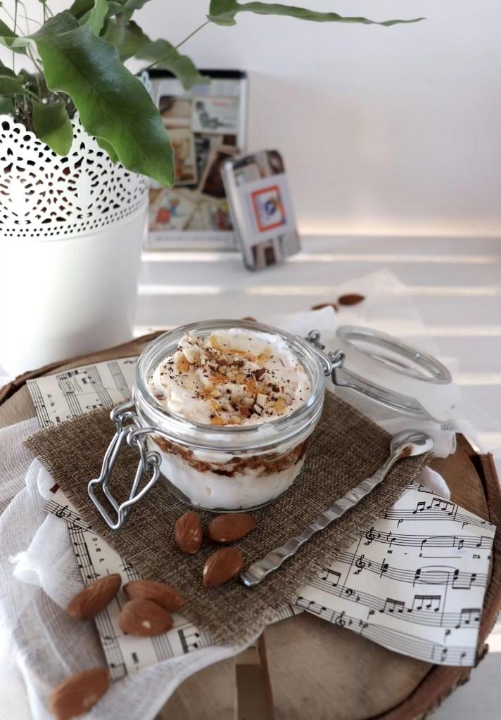 Semifreddo al torrone e caffè, un dessert semplice e veloce per iniziare l'anno con la marcia giusta