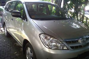 Transport Service Desa Penglipuran - Toyota Kijang Innova 03