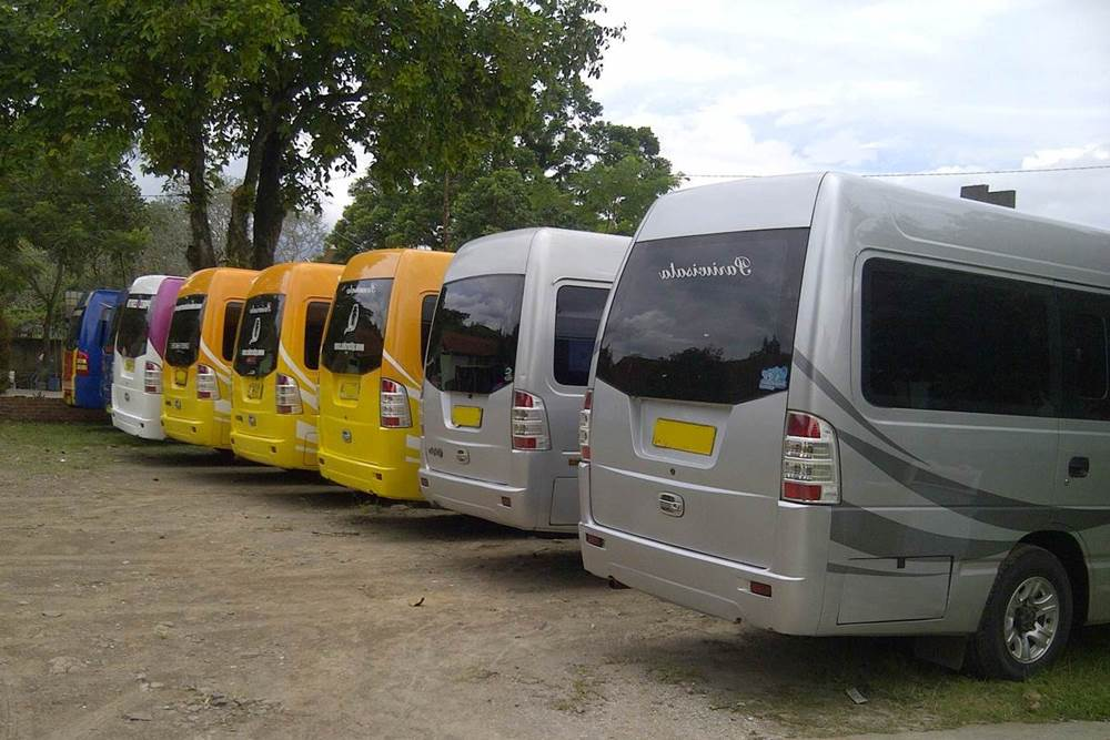 Transport Service Isuzu Elf Desa Penglipuran 06