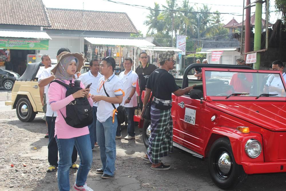 VW Safari Amazing Race Desa Penglipuran Bali - Pasar Seni